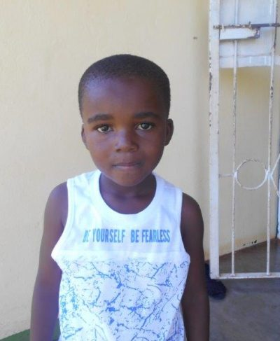 Meet Phiwayinkhosi - His birthday is June 5th, 2014, he loves playing soccer and hopes to become a soldier one day. Click Phiwayinkhosi's picture to sponsor him!
