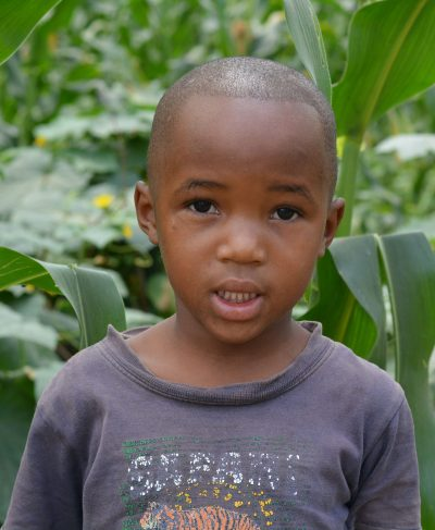 Click Jenipher's picture to sponsor her - She is 5 years old, loves singing and wants to be a doctor one day!