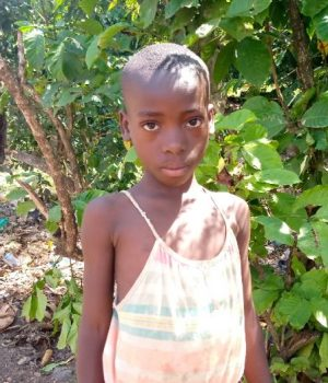 Click Sharifah's picture to sponsor her - She is 5 years old, loves games and hopes to be a teacher.