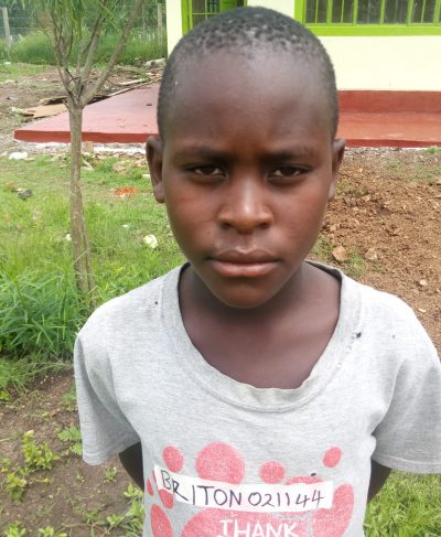 Click Briton's picture to sponsor him - He is 10 years old, loves to learn English and hopes to become a driver.
