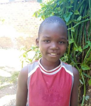Click Ian's picture to sponsor him - He is 8 years old, loves his friends and hopes to be a driver.