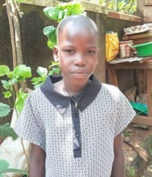 Click Mary's picture to sponsor her - She is 10 years old and wants to become a doctor.