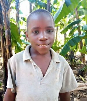 Click Benjamin's picture to sponsor him - He is 9 years old, loves making friends and wants to be a doctor.