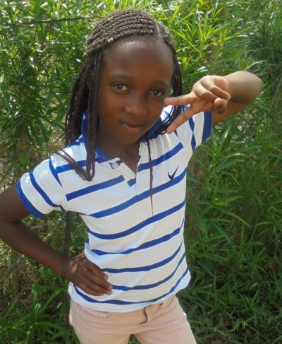 Click Trescy's picture to sponsor her - She is 9 years old, loves mathematics and wants to be a nurse.