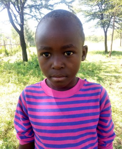 Click Joanes's picture to sponsor him - He is 10 years old, loves school, and wants to play football.