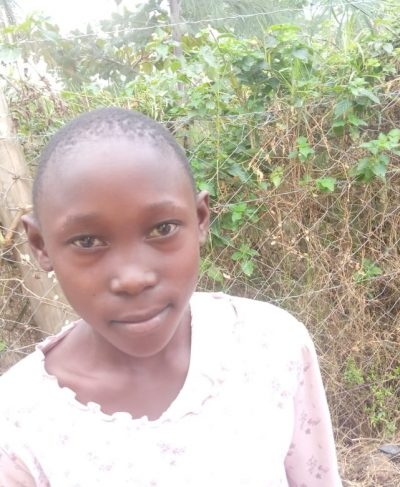 Click Quinter's picture to sponsor her - She is 7 years old, loves reading, and wants to be a teacher.