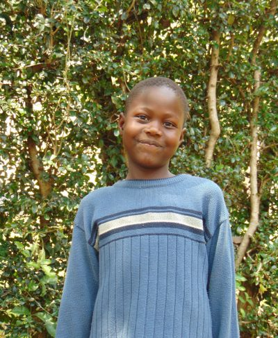 Click Swinny's picture to sponsor her - She is 10 years old, loves reading, and wants to be a doctor.